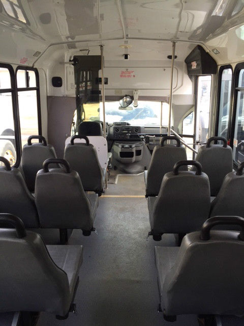 2009 e450 shuttle bus