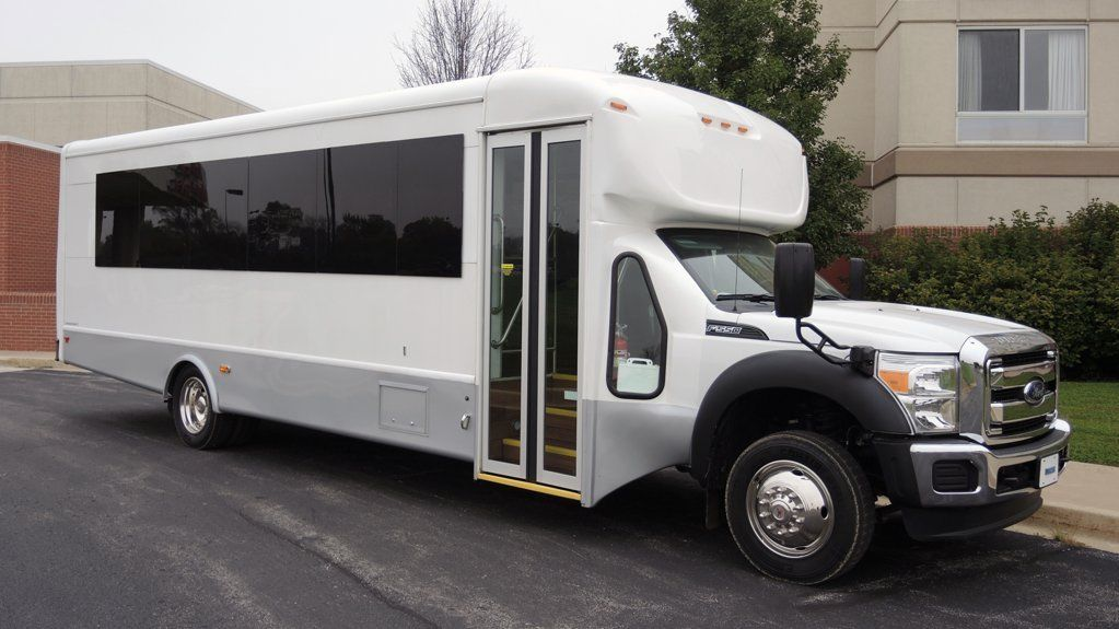 2015 Ford Starcraft 28 Passenger w/ Luggage Shuttle Bus ...