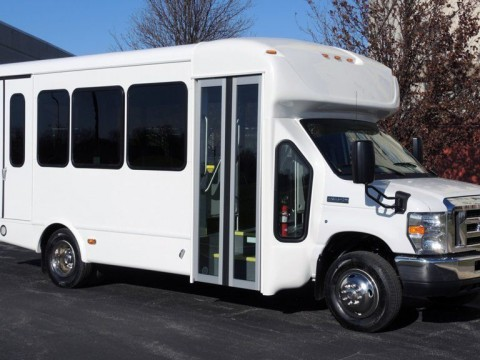 2016 Ford Starcraft 12 Passenger+2 Wheelchair Spaces Bus for sale