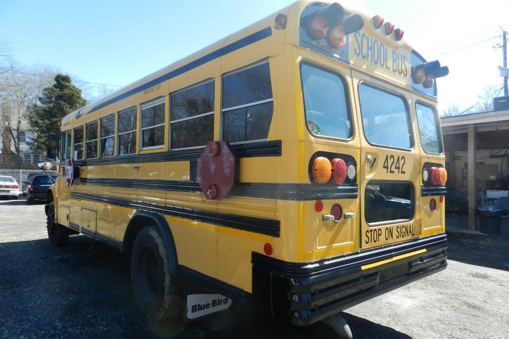 School Bus 2003 International 3800