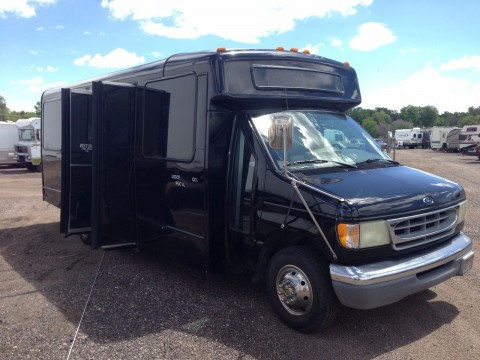2002 Ford E-450 Super Duty – V-10 party/limo/shuttle/church bus for sale