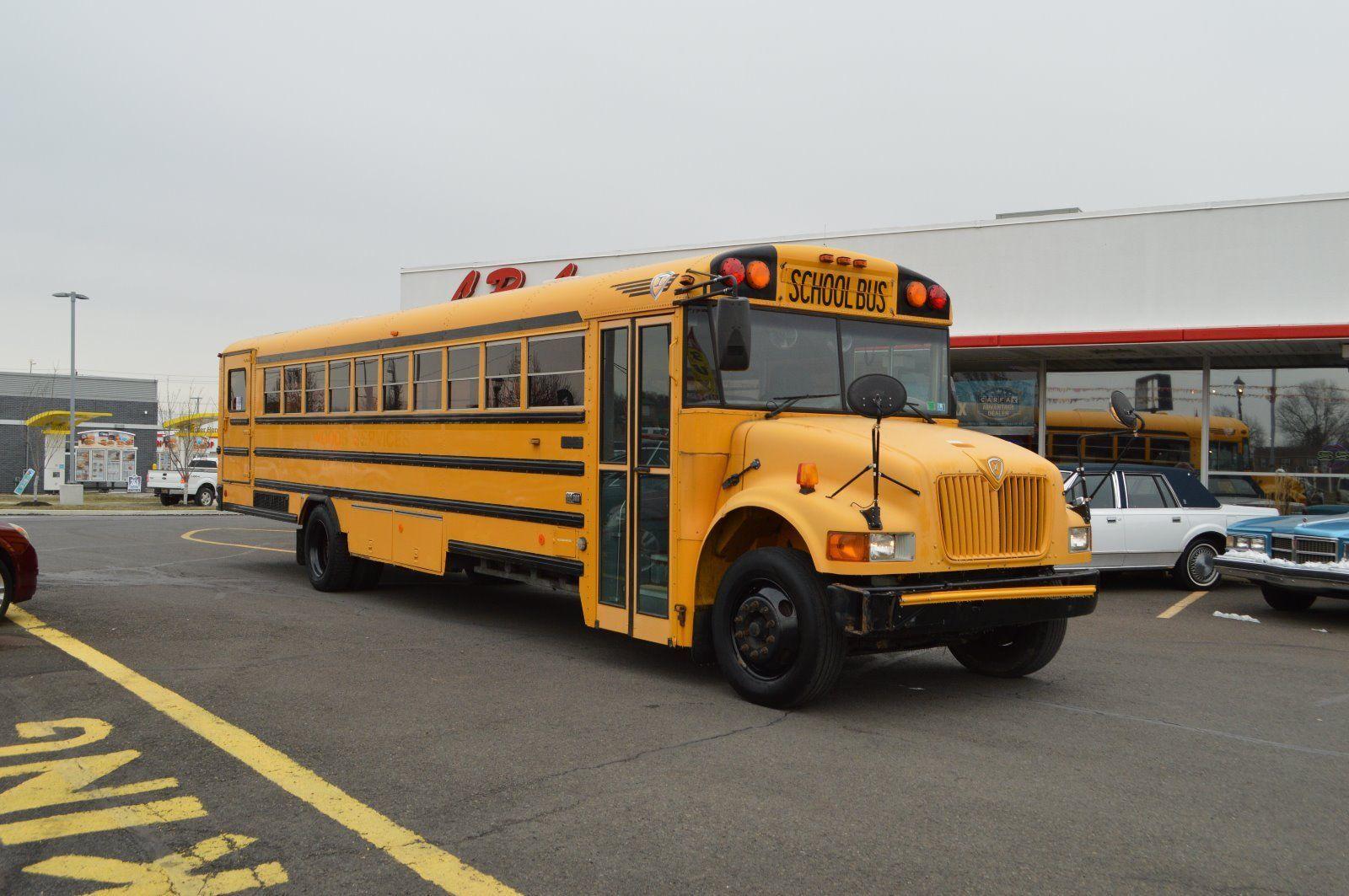 2004 INTERNATIONAL CE-300 DT 466 TURBO DIESEL BUS for sale