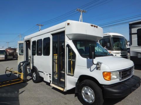 2007 Ford E-350 Single Rear Wheel 8 Passenger Shuttle Bus for sale