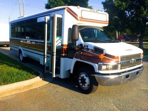 2009 Chevy   Eldorado   Shuttle Bus  29  33 Pass for sale