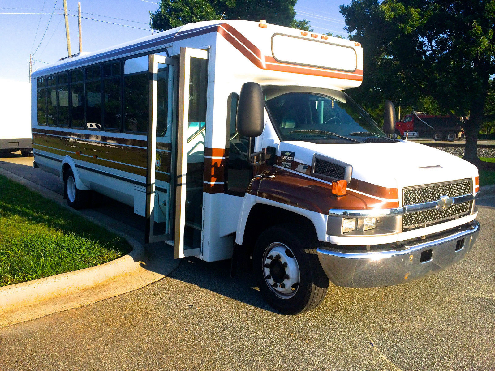 2009 Chevy Eldorado Shuttle Bus 29 33 Pass for sale