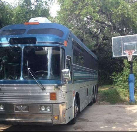 1971 Silver Eagle Model 05 Entertainer Tour Bus