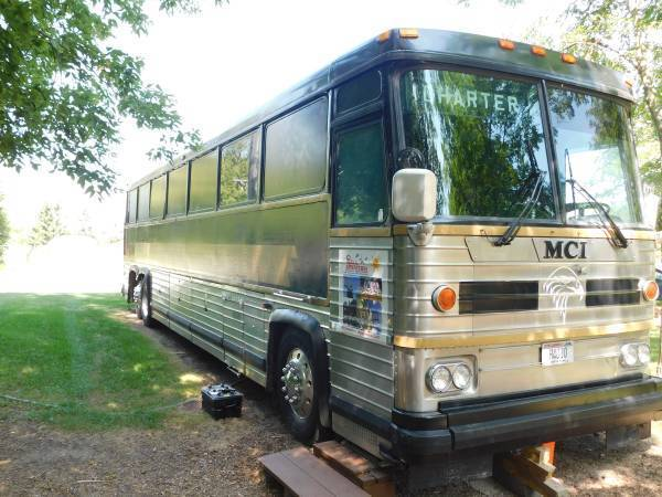 1987 Mci 9 Bus Conversion For Sale
