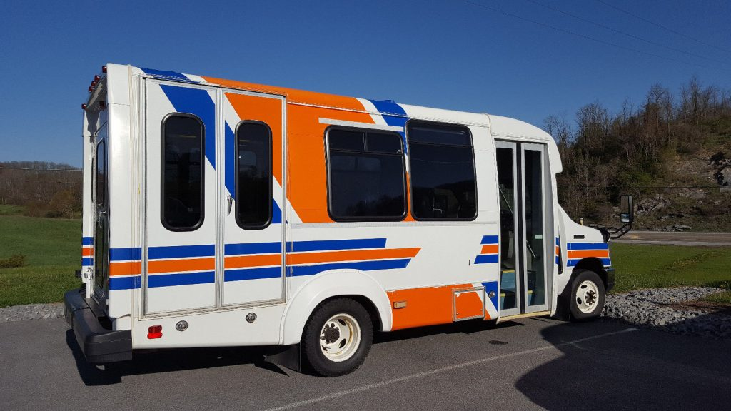 GREAT 2011 Ford E-450