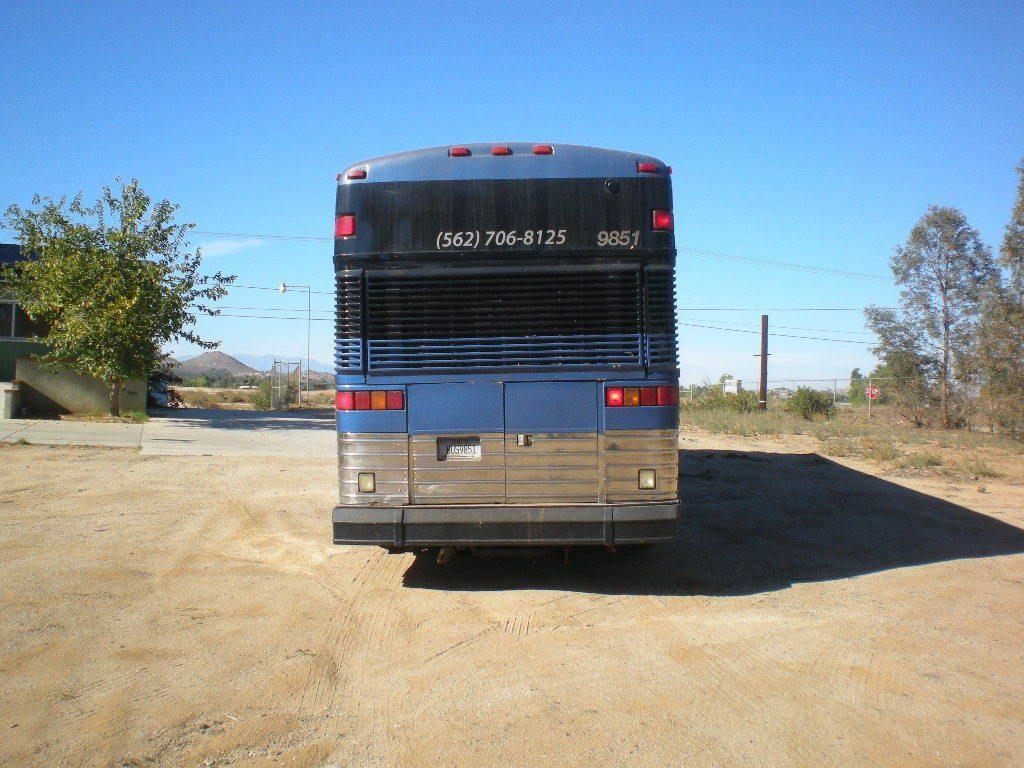 1997 MCI Highway Bus Model DL 4500