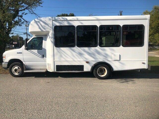 2010 Ford E450 Shuttle Bus Powerstroke Diesel