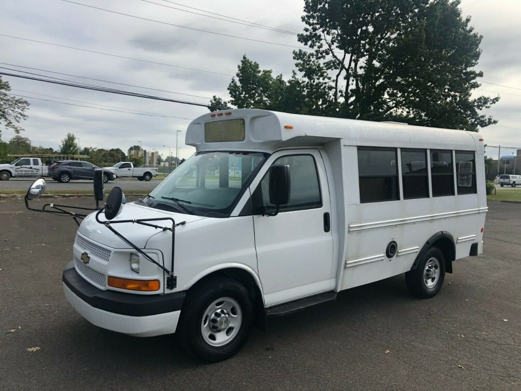 2012 Chevrolet Express Cutaway 10 Passenger School Bus