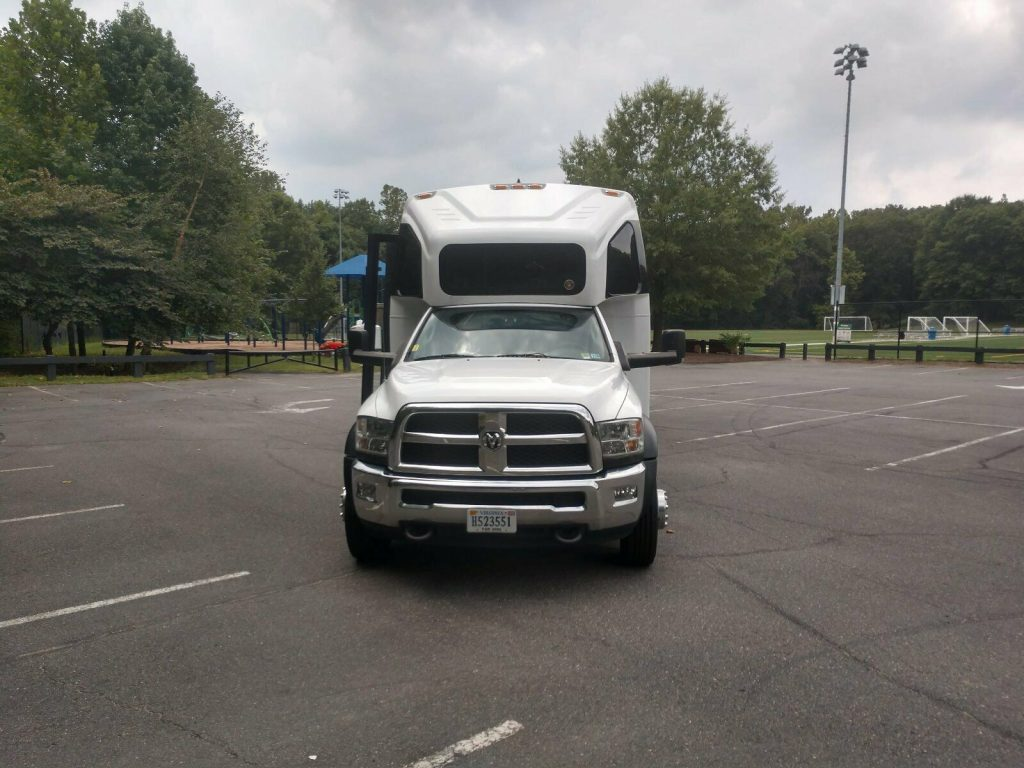 2013 Dodge Ram 5500 Charter bus, Church bus, Tour bus
