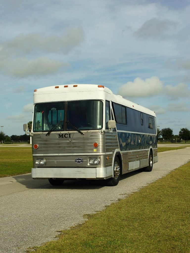 1977 MCI 5C bus conversion